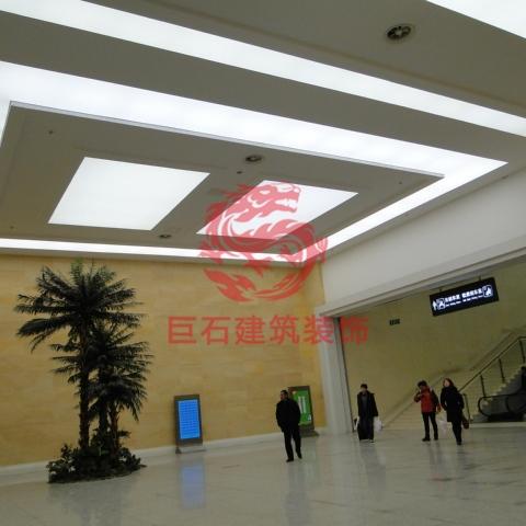 青岛火车站地下走廊